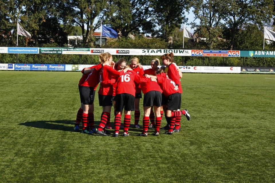 voetbal teamsport Mariëtte
