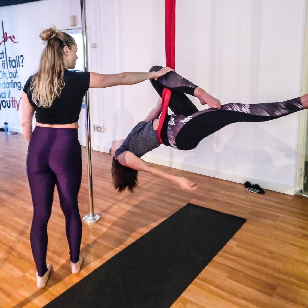 lydia yoga aerial hammock rotterdam